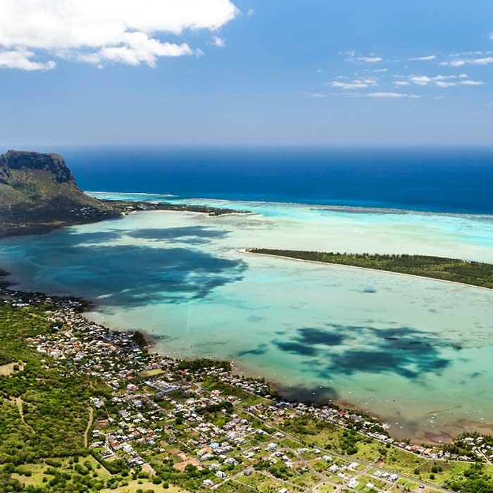 dream-dolphin-benitier-lagon-morne-mauritius